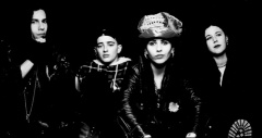 4 Non-Blondes: click for official video